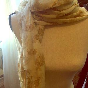 Elephant scarf / shall